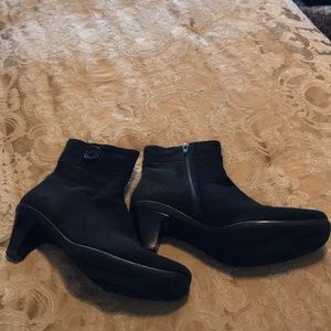 La Canadienne Black Waterproof Suede boots